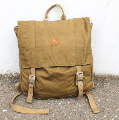 burton-messenger-bag